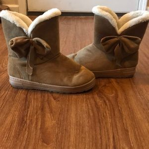 Shoes - Brown Snow Boots